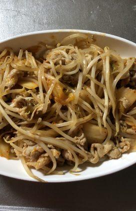 片麻痺の料理(豚肉のキムチ炒め)