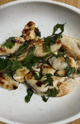 片麻痺の料理(鶏むね肉と大葉)