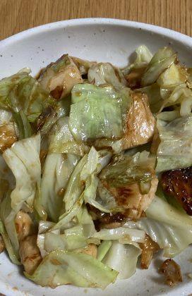 片麻痺の料理(鶏胸肉とキャベツのオイスター炒め)