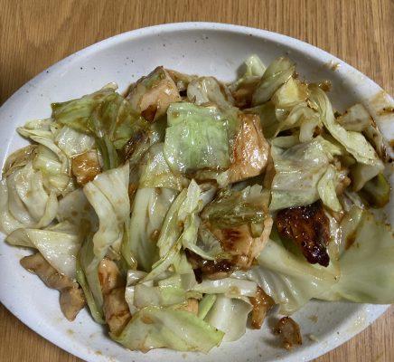 鶏胸肉とキャベツのオイスター炒め